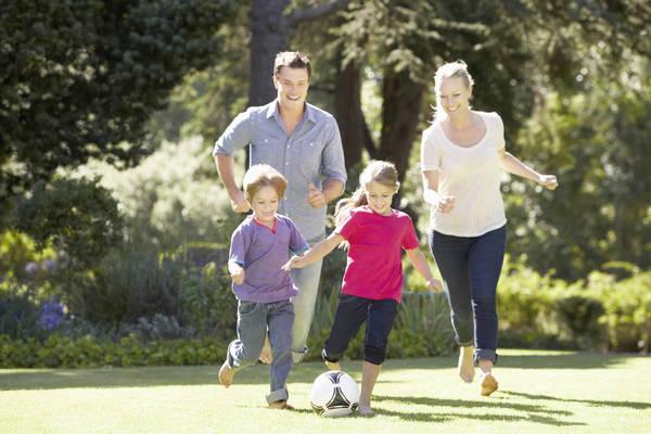 Postcard ikk familie fussball ist175512054 xxl sl rgb ret